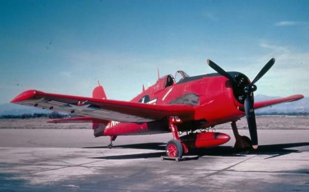 Drone yang dimodifikasi dari Grumman F6F-5K Hellcat. Drone inilah yang menjadi korban pertama dari SideWinder di tanggal 11 September 1953